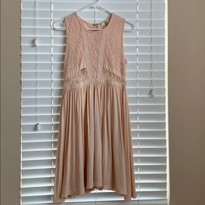 Ya Los Angeles Light pink midi lace dress